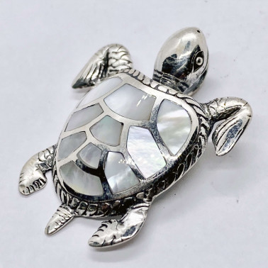 PD 14201 MP-(UNIQUE 925 BALI SILVER TURTLE PENDANT WITH MOTHER OF PEARL)