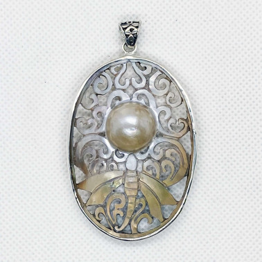 PD 14665 B-PL-(UNIQUE 925 BALI SILVER PENDANT WITH HAND CARVING BUTTERFLY MABE PEARL)
