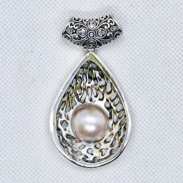 PD 14665 A-PL-(UNIQUE 925 BALI SILVER PENDANT WITH HAND CARVING MABE PEARL)
