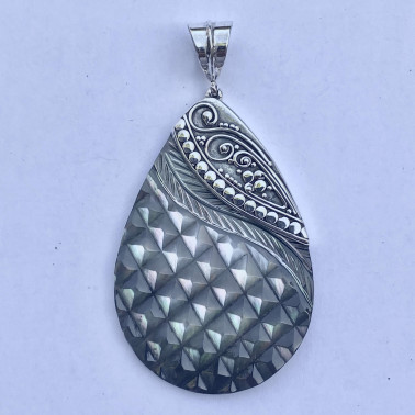 PD 14768-(HANDMADE 925 BALI SILVER PENDANTS WITH CHAMPAIGN SHELL)