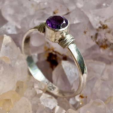 RR 00996 AM-(HANDMADE 925 BALI STERLING SILVER  RING WITH AMETHYST)