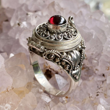 RR 01106 GR-(HANDMADE 925 BALI STERLING SILVER POISON RING WITH GARNET)