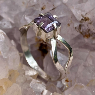 RR 03133 AM-(HANDMADE 925 BALI STERLING SILVER RING WITH AMETHYST)