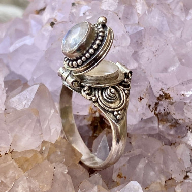 RR 13780 RM-(HANDMADE 925 BALI STERLING SILVER POISON RING WITH RAINBOW MOONSTONE)