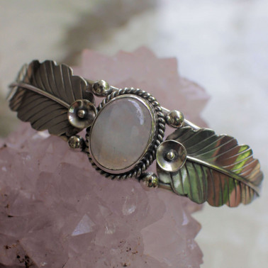 BR 14856 RM-(HANDMADE 925 BALI SILVER CUFF BRACELET WITH RAINBOW MOONSTONE)